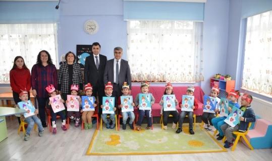Karabük'te öğrenciler karne sevinci yaşadı