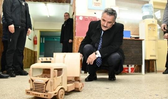 """Kaymak: """"Ahşap oyuncakların Türkiye'deki anaokullarına satışlarını sağlamaya çalışacağız"""""""