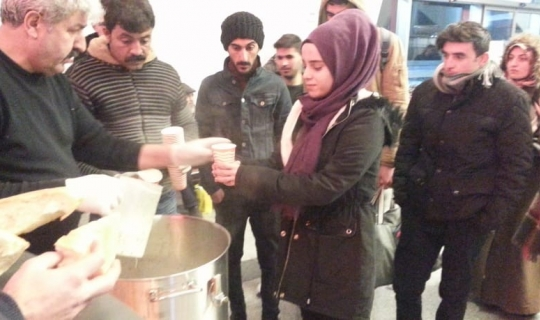 Kırşehir Belediyesi şehirler arası otobüs terminalinde çorba ikramı yaptı