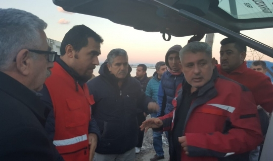 Kızılay'dan Amik Ovasında su basan mahalleye yardım