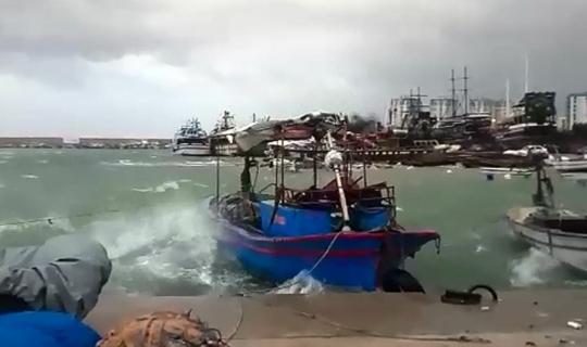 Mersin'de kuvvetli fırtına