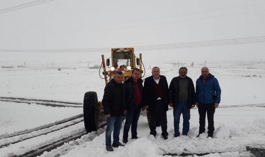 Nevşehir İl Özel İdare Genel Sekreterliği ekipleri karla mücadele ediyor