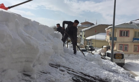 O ilçede 45 gündür kar etkili oluyor