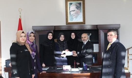 Öğrenciler Yemen için 3 bin 935 TL para topladı