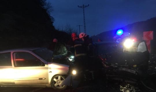 Ordu'da 2 otomobil çarpıştı: 1 ölü, 7 yaralı