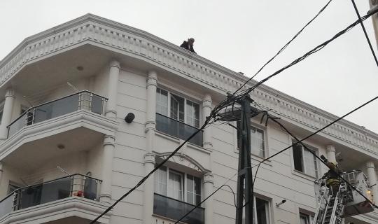 Aynı sokakta iki binada korkutan yangın