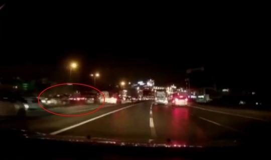 (Özel) E-5 karayolunda feci 'makas' kazası kamerada