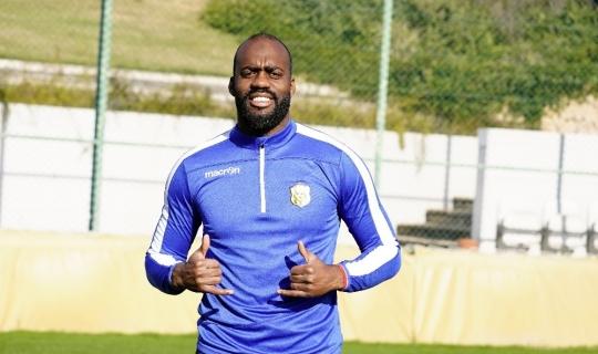 """Fabien Farnolle: """"Fenerbahçe Sadık'ı aldığı için gurur duyabilir"""""""