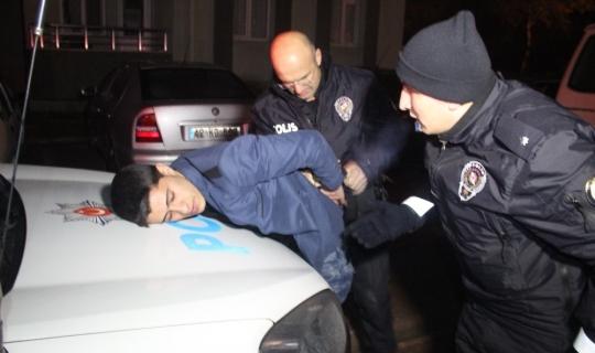 """Polisten kaçan sürücü """"Bizde bir şey yok dedi"""", arkadaşı alkollü olduğu için kaçtığını söyledi"""