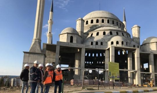 Rektör Acer, 18 Mart İÇDAŞ Ulu Camii inşaatında incelemelerde bulundu