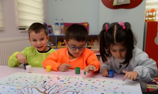 Saray Nezaket Okulu ve Kreşte minikler çok mutlu