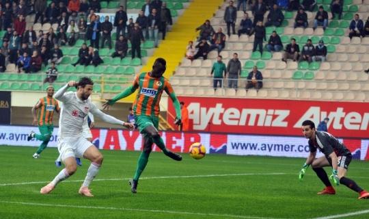 Spor Toto Süper Lig: Aytemiz Alanyaspor: 2 - Demir Grup Sivasspor: 0 (İlk yarı)