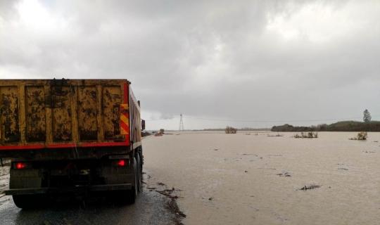 Tarsus'ta taşımalı eğitime yağış engeli