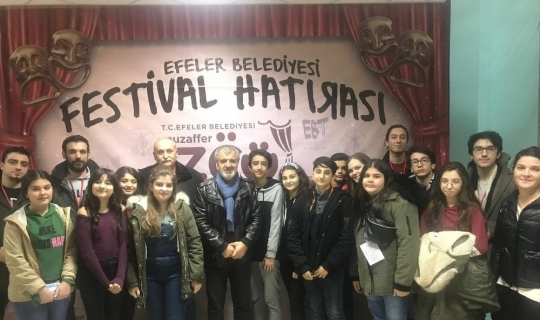 Tiyatro Festivalinde Karşıyaka rüzgarı