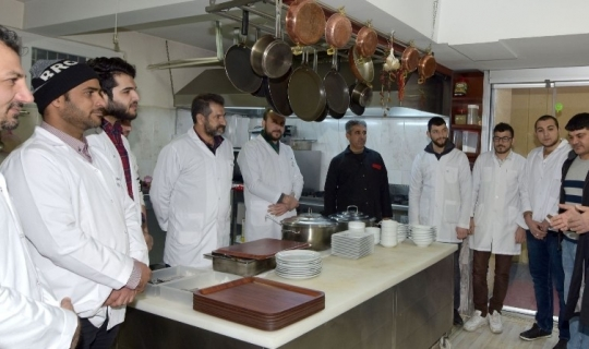 Trabzon'da kayıtdışı çalışan yabancılar turizm sektörüne taze kan olacak