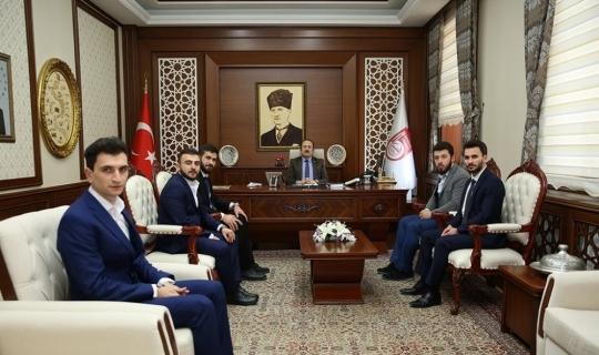 Türkiye Gençlik Vakfı Bayburt Heyeti Vali Pehlivan'ı ziyaret etti