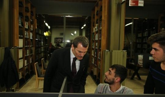 Yalova'da okuyan hukuk öğrencisi 'Millet Kıraathanesi' istedi