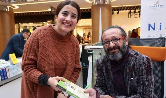 Yazar Sinan Yağmur, Nissara AVM'de imza ve söyleşi gününe katıldı