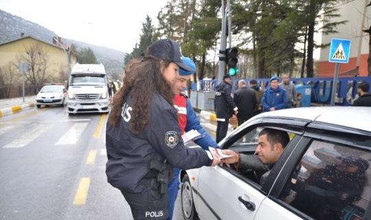 """Akseki'de Trafikte """"Öncelik Hayatın, Öncelik Yayanın"""" projesi"""