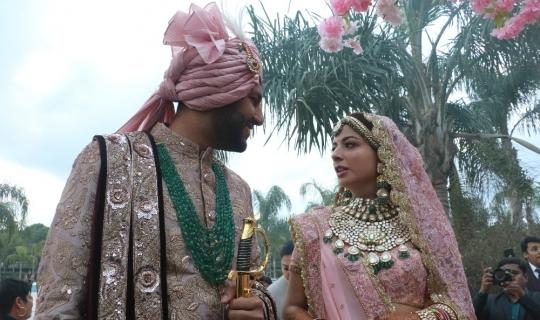 Antalya'da paha biçilemeyen Hint düğünü yapılıyor
