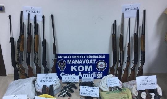Antalya'da silah kaçakçılarına operasyon