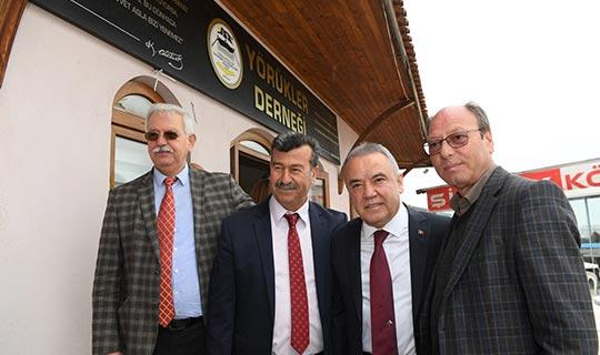 Başkan adayı Böcek, 'Tarhana Çorbası' buluşmasına katıldı