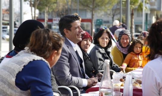 Başkan Genç, el emeği pazarında kadınların misafiri oldu