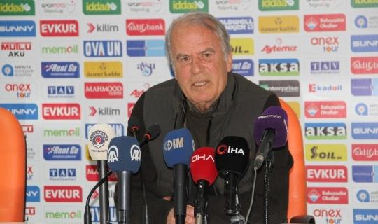 """Mustafa Denizli: """"Maçla ilgili fazla söyleyecek şeyimiz yok"""""""
