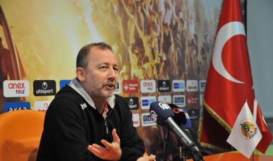 """Sergen Yalçın: """"Ozan'ı futbolcu olduğuna ikna etmeye çalışıyoruz"""""""