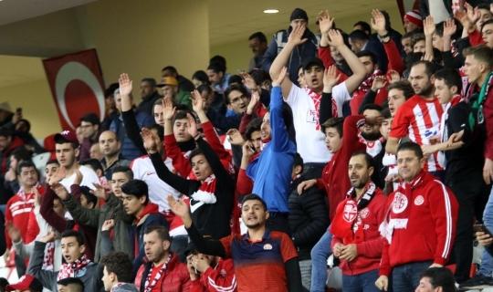 Spor Toto Süper Lig: Antalyaspor: 0 - Beşiktaş: 0 (Maç devam ediyor)