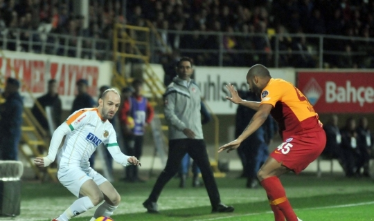 Spor Toto Süper Lig: Aytemiz Alanyaspor: 1 - Galatasaray: 0 (İlk yarı)
