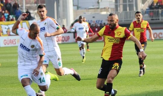 Spor Toto Süper Lig: Göztepe: 2 - Aytemiz Alanyaspor: 1 (İlk yarı)