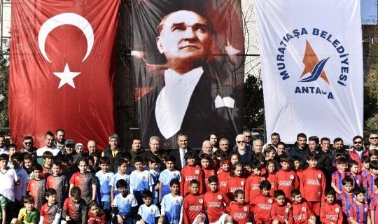 U-10 Minik Yıldızlar Turnuvası'nın şampiyonu Antalyaspor oldu.