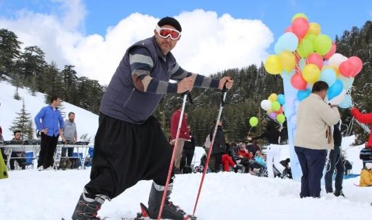 Kayak festivali renkli görüntülere sahne oldu