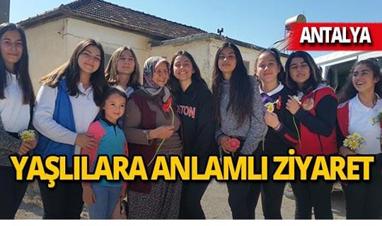 Antalya'da öğrencilerden anlamlı ziyaret