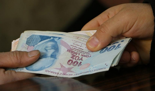 Antalya'da kadın mevsimlik işçinin ücreti 68 TL