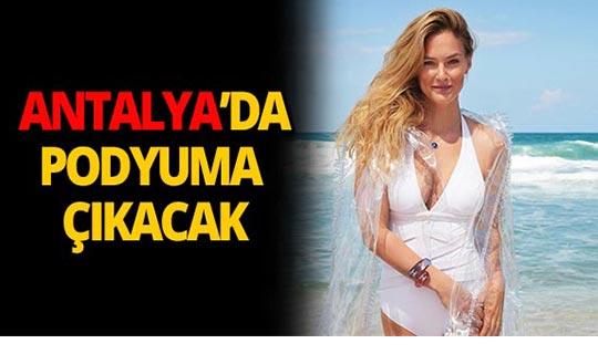 Dünyaca ünlü manken Antalya'ya geliyor