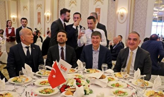 """Bakan Ersoy: """"Antalya olarak 14 milyonlarda kalmayacağız"""""""