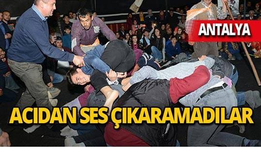 Antalya'da gençler bağırmamak için direndi