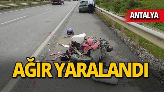 Antalya'da park halindeki otomobile çarptı!