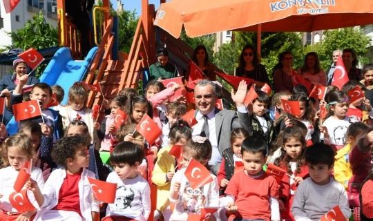 Başkan Esen, miniklerin 23 Nisan coşkusuna ortak oldu