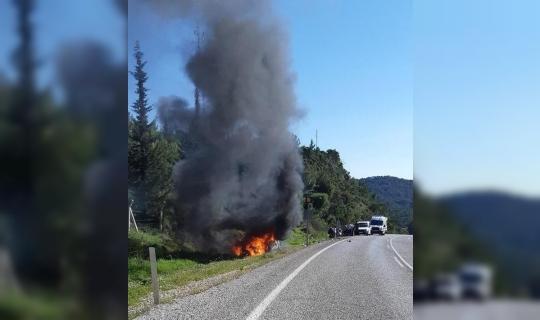 Şarampole savrulan otomobil alev alev yandı: 2 yaralı