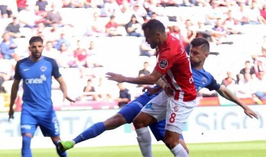 Spor Toto Süper Lig: Antalyaspor: 1 - Kasımpaşa: 0 (İlk yarı)