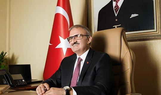 Antalya Valisi Münir Karaloğlu'ndan 19 Mayıs mesajı