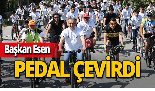 Başkan Esen, vatandaşlarla pedal çevirdi