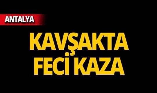 Isparta-Antalya yolunda feci kaza!