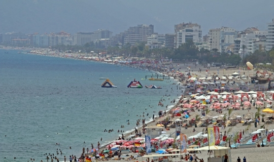 Antalya bayramı 'dolu dolu' yaşıyor