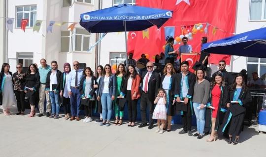 Korkuteli Meslek Yüksekokulu'nda 17'inci mezuniyet töreni