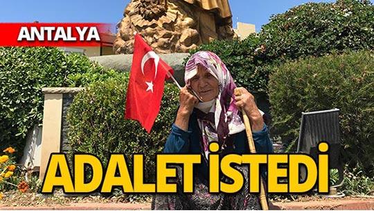 Atatürk Anıtı önünde adalet istedi