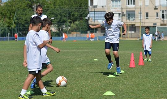 Geleceğin sporcuları Muratpaşa'da yetişiyor